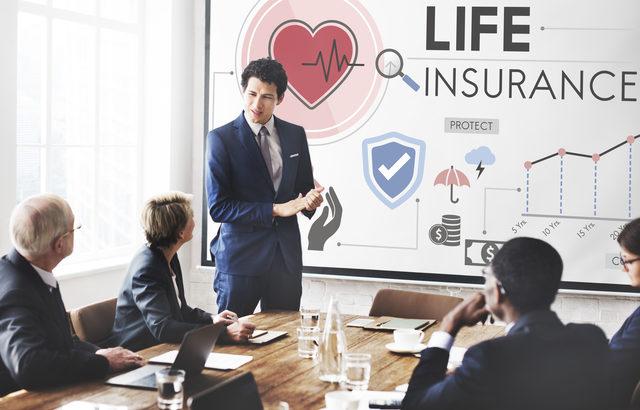 社長の相続には遺産分割と納税資金が問題に!法人契約の生命保険で解決!