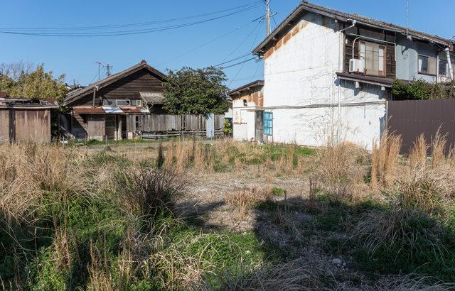 郊外に住む親の相続税対策!郊外の実家を売りなさい!相続後も特例あり!