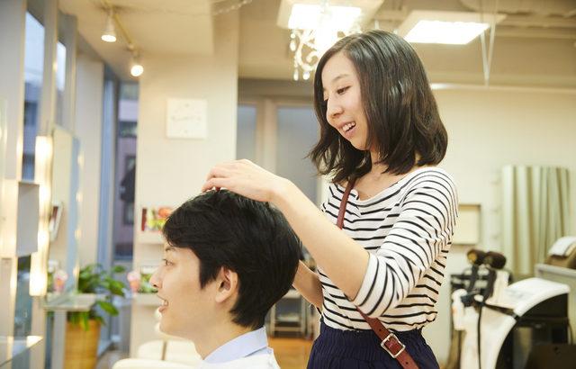美容院・理容店業界のM&A(買収・売却)と企業価値評価